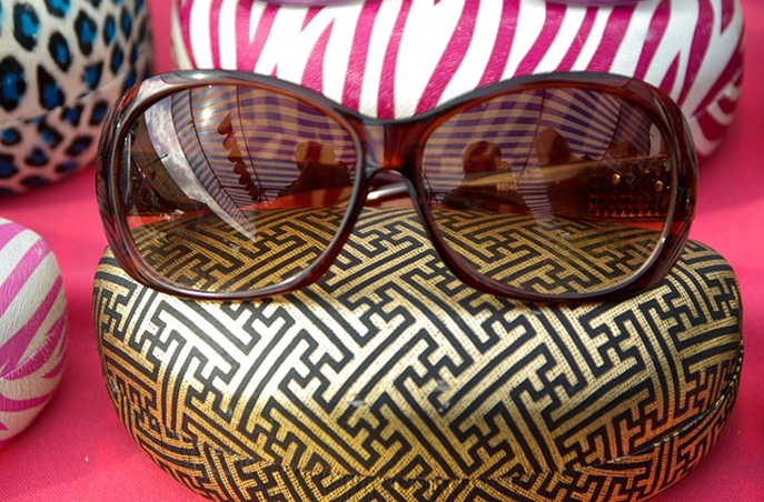 Why Designer Sunglasses Will Make an Excellent Gift for Your Partner